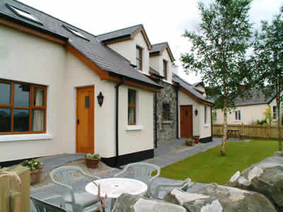 Ballymorran Self Catering Cottages on the Shores of Strangford ough, Northern Ireland, offers spacious accommodation with garden and b-b-q area overlooking Ballymorran Bay